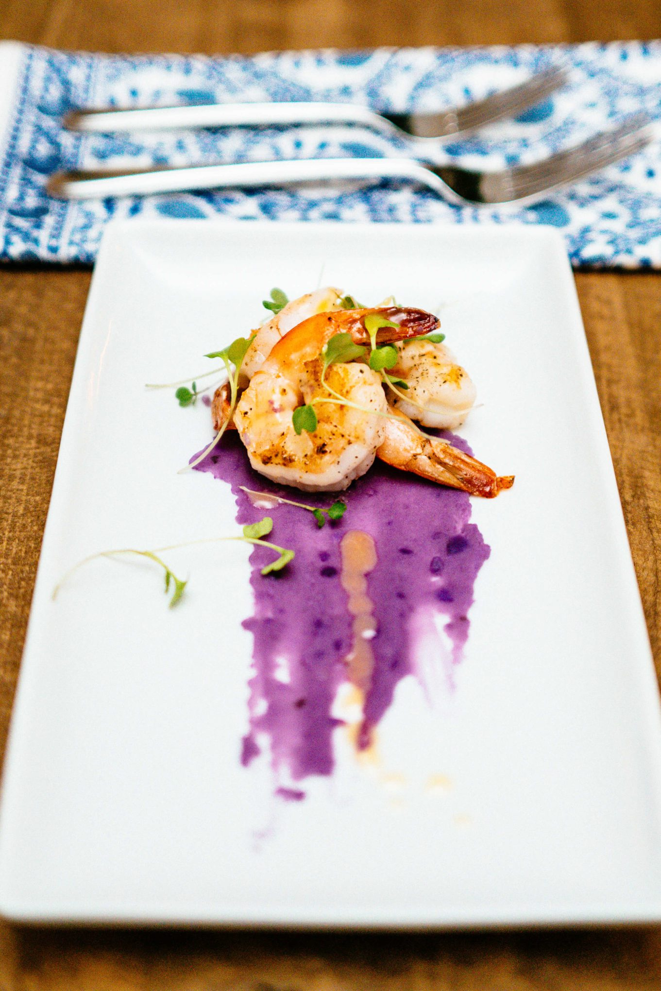 Franciacorta sparkling Italian wine recipe with shrimp and purple potatoes