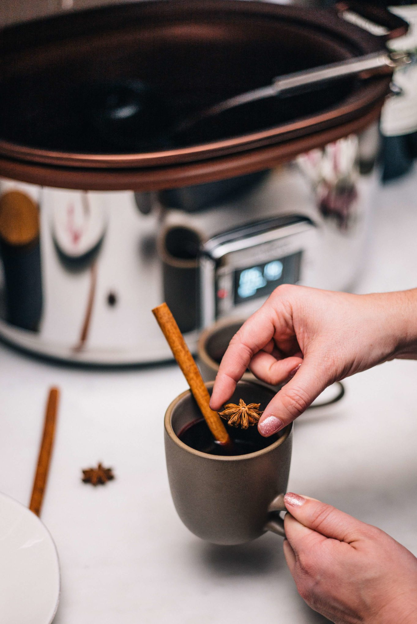 Making mulled wine in an All-Clad Gourmet Slow Cooker with The Taste Edit