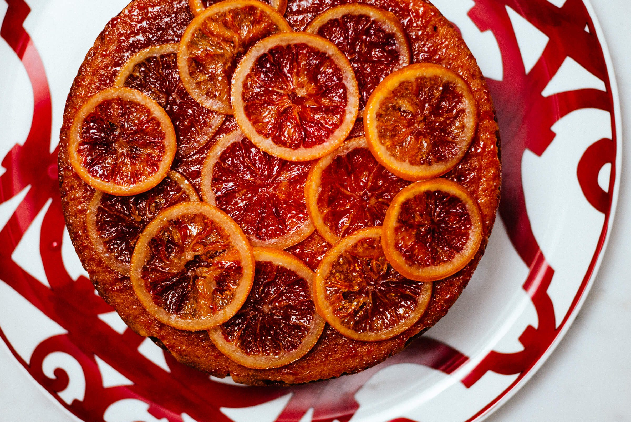 The Taste Edit uses Chef'n measure up measuring glasses to make a blood orange campari cake topped with homemade candied oranges