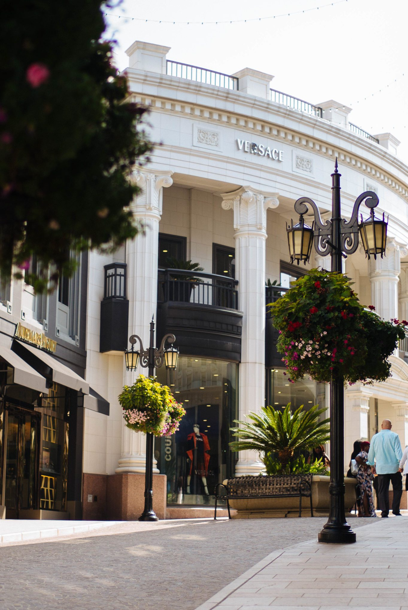 Shopping on the Rodeo Drive in Beverly Hills, The Taste San Francisco