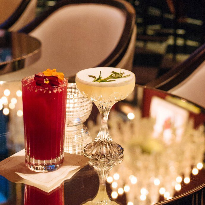 One of the most luxurious cocktail bars in New York City is the Baccarat bar for drinks, learn more on thetasteedit.com