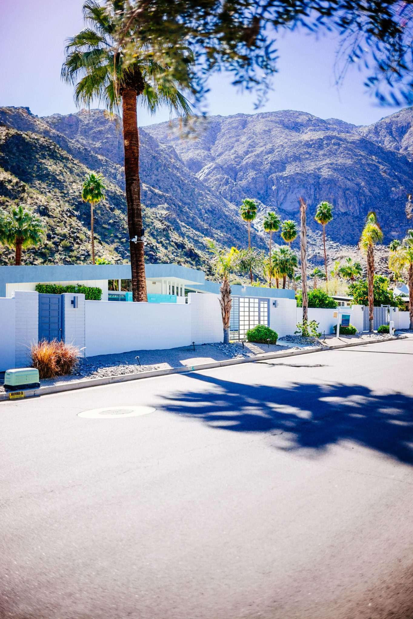 Tour the beautiful Mid Century Homes in Palm Springs, The Taste SF