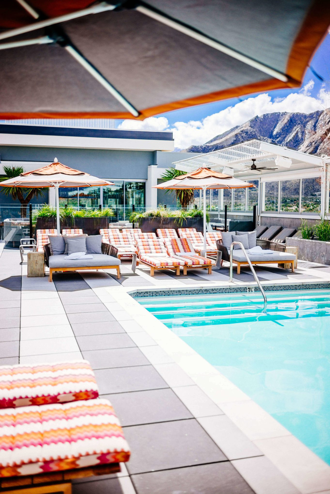 The Kimpton Rowan Hotel in Palm Springs has one of the best rooftop pools and patios in Palm Springs, it's a dessert retreat, The Taste SF