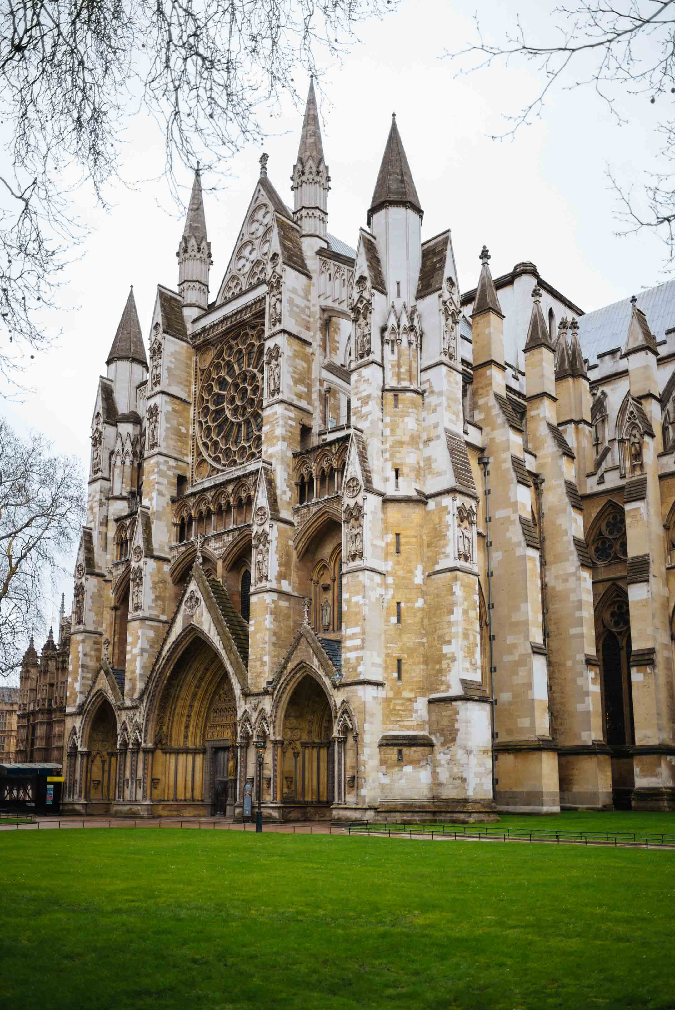 The Taste SF recommends visiting Westminster Abbey when in London