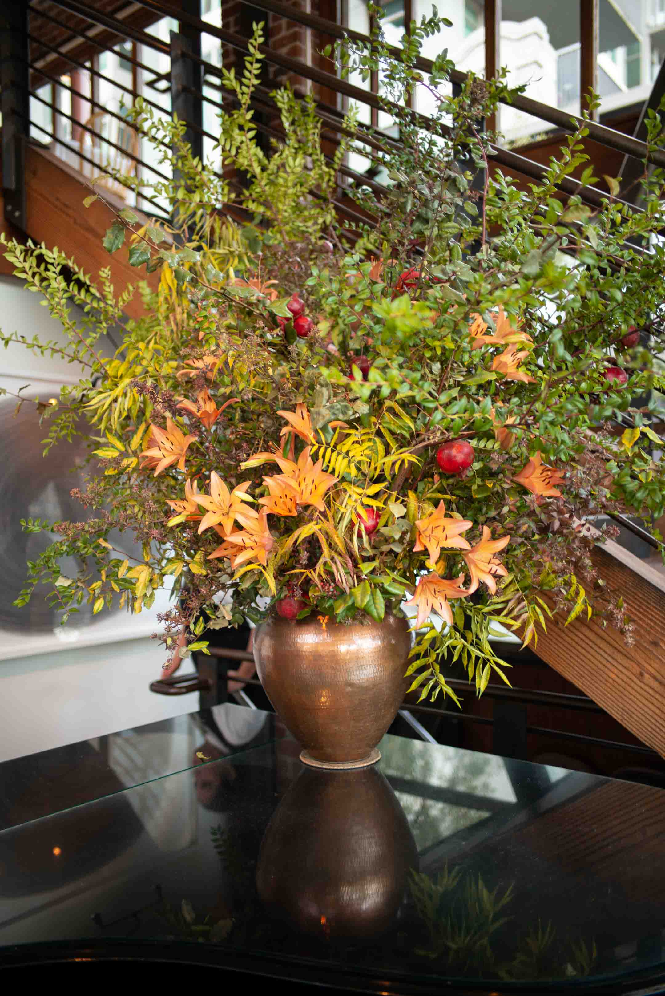 Flower arrangement at Zuni Cafe in San Francisco has live piano music during the week