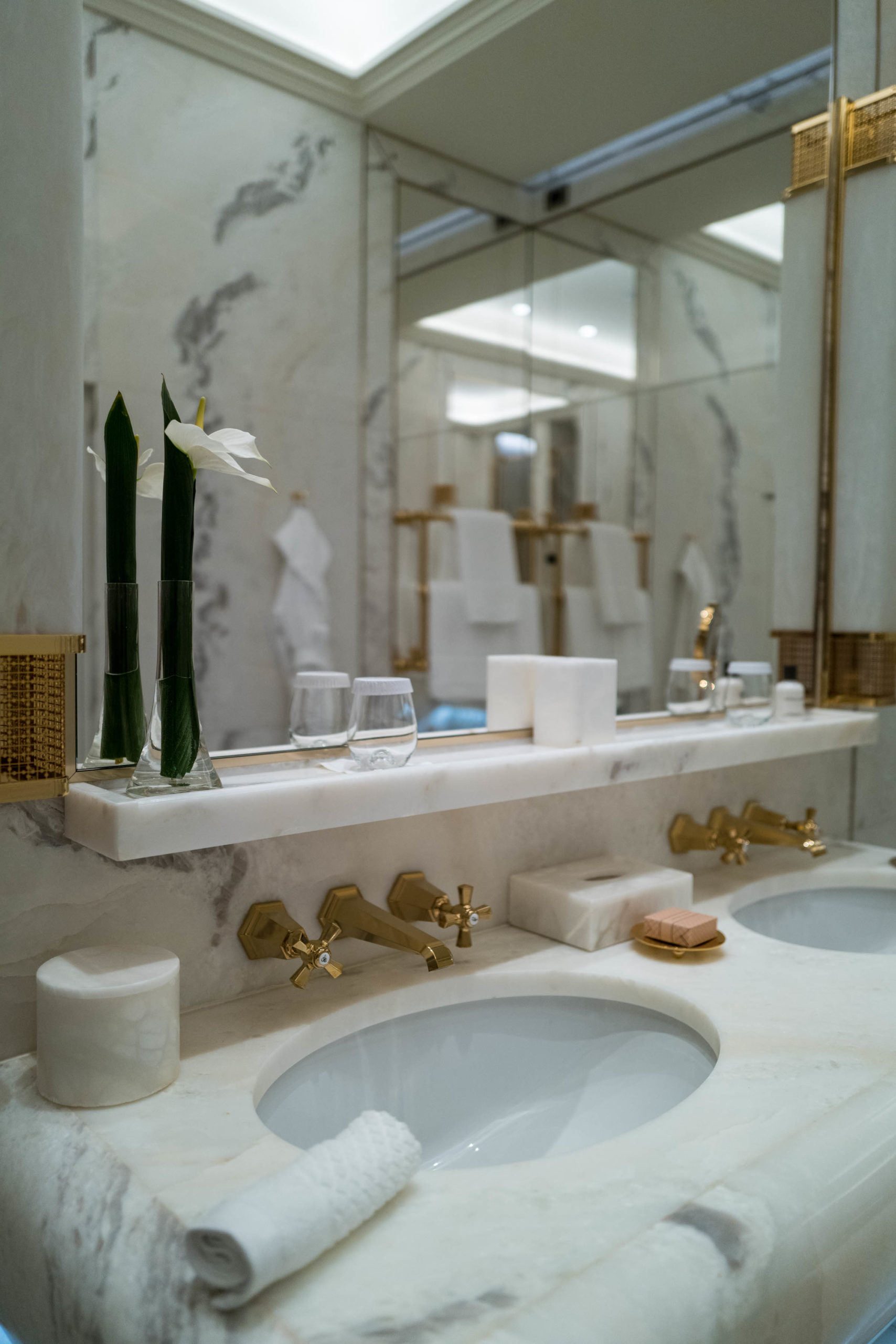 You won't want to leave this bathroom in Hotel Eden in Rome, The Taste Edit #hotel #rome #italy #bathroom
